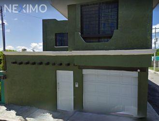 NEX-29564 - Casa en Venta, con 3 recamaras, con 2 baños, con 1 medio baño, con 212 m2 de construcción en Valle Dorado, CP 24026, Campeche.