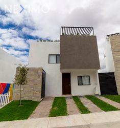 NEX-17393 - Casa en Venta, con 3 recamaras, con 3 baños, con 2 medio baños, con 183 m2 de construcción en Zibatá, CP 76269, Querétaro.