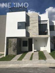 NEX-21868 - Casa en Venta, con 3 recamaras, con 3 baños, con 220 m2 de construcción en Zibatá, CP 76269, Querétaro.