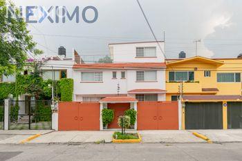 NEX-47695 - Casa en Venta, con 4 recamaras, con 3 baños, con 1 medio baño, con 340 m2 de construcción en Ciudad Satélite, CP 53100, México.