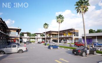 NEX-5889 - Local en Renta, con 2 baños, con 336 m2 de construcción en Zona Hotelera, CP 77500, Quintana Roo.