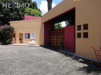 NEX-24931 - Casa en Venta, con 3 recamaras, con 3 baños, con 1 medio baño, con 330 m2 de construcción en Ahuatepec, CP 62300, Morelos.